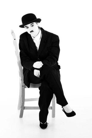 r�le: Fille joue le r�le de Charles Chaplin