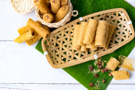 Khanom La it is folk in the south in Thailand made from rice flour. is one of the five major kinds of sweet use in ten month festival it very important tradition at Nakhon Si Thammarat province.