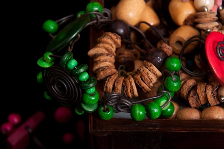 Green bracelet with other wood jewerly in jewerly box