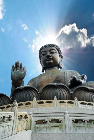 Giant Buddha zittend op lotusl. Hong Kong