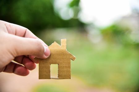 Concept van de te bouwen huizen op mijn onbebouwde grond