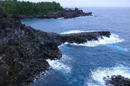 It is coastal scenery of Jeju.