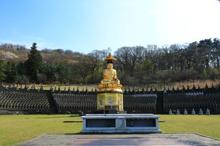 It is a spring scenery of a temple called Gwaneumsa in Jeju.