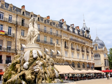 retail place: Place de la Comedie, Montpellier, France