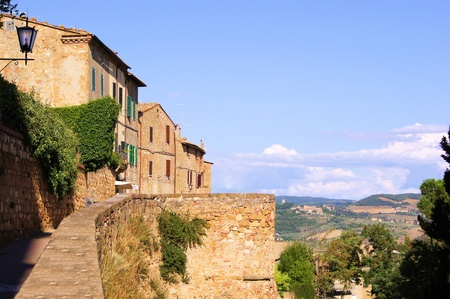 Stone houses of Pienza overlooking the countryside of Tuscany Stock Photo - 12107101
