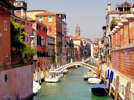 venezia: Small quaint canal in the Dorsoduro neighborhood of historic Venice