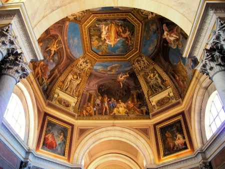 chapel: Ceiling art in a dome of the Vatican Muesums