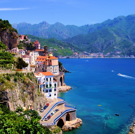 mediterranean houses: View of the village of Atrani, Amalfi Coast, Italy