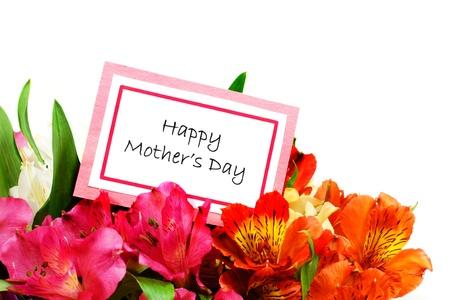 カラフルな花の白い上に境界線を形成中で幸せな母親の日カード