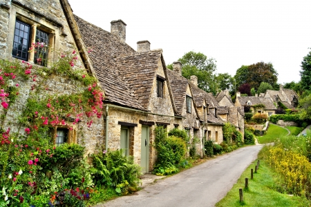 old english: Houses of Arlington Row in the village of Bibury, England