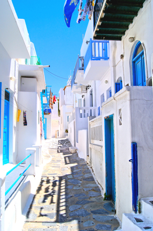santorini: Narrow white lanes on the island of Mykonos, Greece Stock Photo
