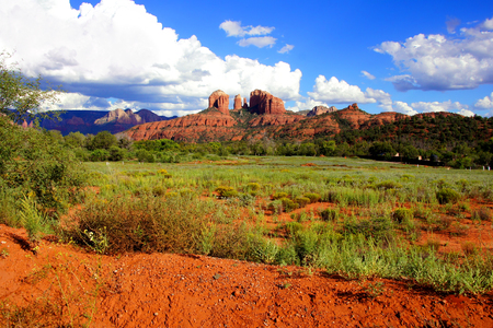 View of Cathedral Rock and landscape near Sedona, Arizona, USA Imagens