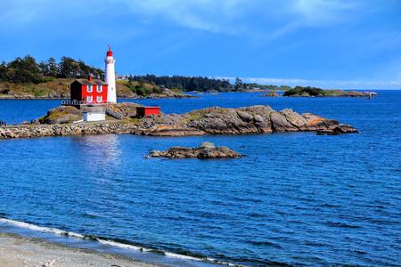 빅토리아, bc 주, 캐나다 근처 태평양 해안을 따라 Fisgard 등 대 국립 역사 사이트