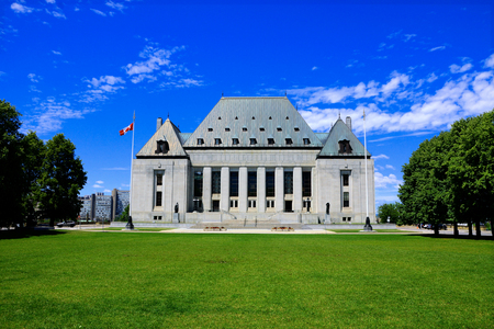 Supreme Court of Canada building under blue skies, Ottawa, Ontario, Canada Stok Fotoğraf