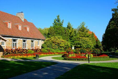 Colorful gardens in Queenston Heights historic park, Ontario, Canada Banco de Imagens