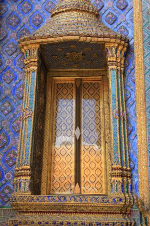 kaew: Thai window at Wat phra kaew