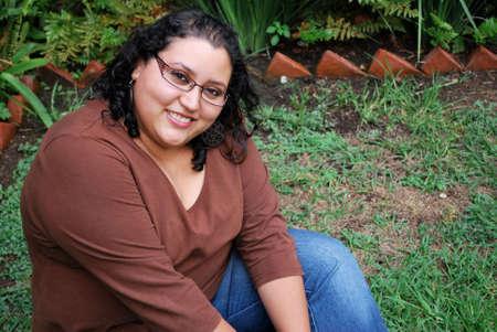 mujer gorda: Hermosa mujer hispana
