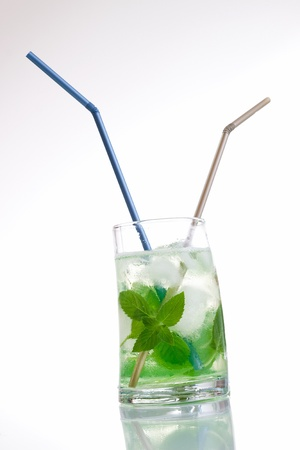 Tall drink with mint and ice Stock Photo - 9965444
