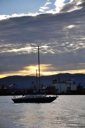 Bellingham Sunset Boat Banco de Imagens - 51035390