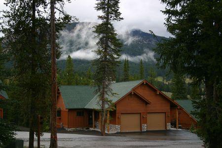 large: log cabin