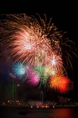 Feuerwerk über Marina Bay Lizenzfreie Bilder - 14993278