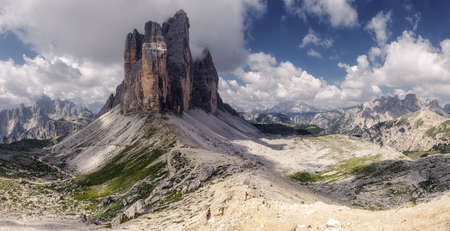 Incredible view on majestic famouse three spectacular mountain peaks in Tre Cime di Lavaredo National Park. Wonderful sunny landscape in dolomites Alps with perfect sky. Amazing nature Scenery. Standard-Bild
