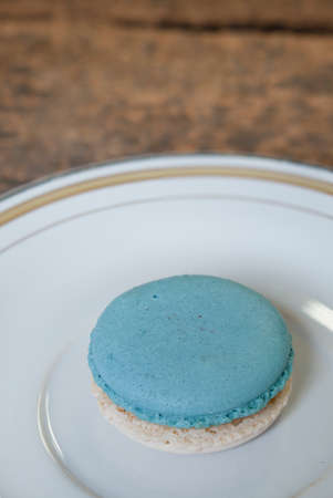 two tone: Two tone macaron on the plate