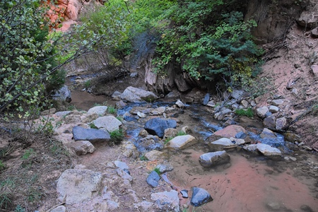 Kanarraville Falls, views from along the hiking trail of falls, stream, river, sandstone cliff formations Waterfall in Kanarra Creek Canyon by Zion National Park, Utah, USA. Stock Photo