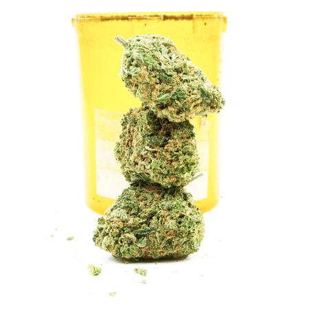 marihuana: La marihuana y el cannabis en un fondo blanco Foto de archivo