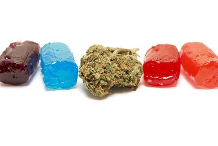 marihuana: La marihuana y el cannabis y el THC Bud caramelo Foto de archivo