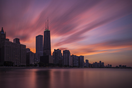 chicago skyline: Downtown Chicago at Sunset