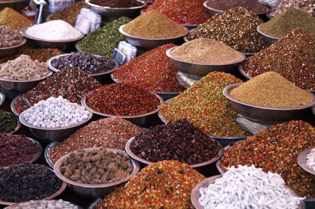 Bowls of pulses and spices on a market stall in Ahmadabad, Gujarat, India Stock Photo