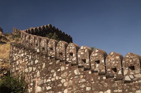 impregnable: Massive ramparts of Kumbhalgarh Fort, Rajasthan, India.