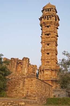 Antigua torre de la Victoria (Vijay Stambha). Construido para celebrar un famoso Rajpur victoria en la batalla en el 1440 AD. Chittaugarh, Rajasthan Foto de archivo - 4317686