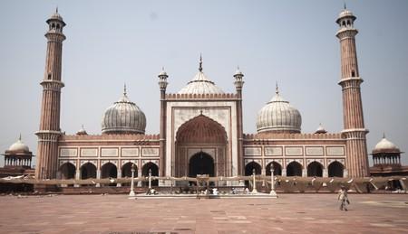 minaret: asia, delhi, dome, india, islam, marble, minaret, mosque, muslim, red, religion, religious, sandstone, wall