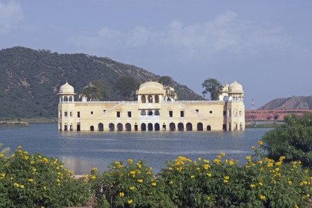 Water Palace (Jal Mahal) in the middle of Man Sagar Lake. Jaipur Rajasthan India. 18th Century Stock Photo - 4551226