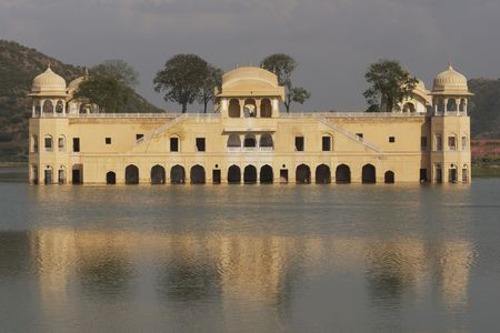 Water Palace (Jal Mahal) in the middle of Man Sagar Lake. Jaipur, Rajasthan, India. 18th Century Stock Photo - 6152064