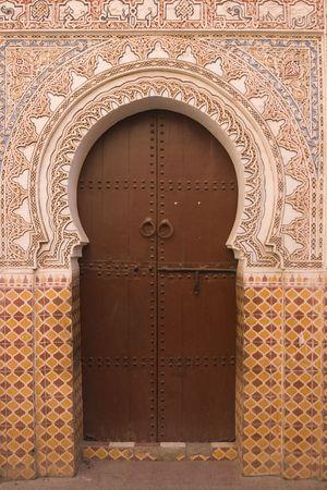 marrakesh: Ingresso a un riad tradizionale nella forma di un foro chiave a Marrakech, Marocco