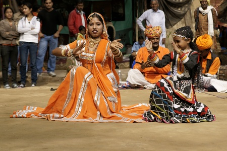 kalbelia: Delhi, India - February 13, 2009: Tribal dancers performing at Sarujkund Fair near Delhi, India Editorial
