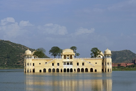 Water Palace (Jal Mahal) in Man Sagar Lake. Jaipur, Rajasthan, India. 18th Century Stock Photo - 8516102