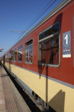 treno espresso: Esprimere treno alla stazione ferroviaria di Marrakech in Marocco