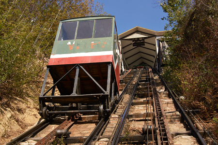 ascensor: Ascensor El Peral in Paseo Yugoslavo  Historic funicular, built 1902, in the world heritage coastal city of Valparaiso in Chile