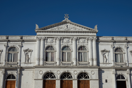 arturo: White classical style theatre in Plaza Arturo Prat in the old quarter of Iquique on the Pacific coast of northern Chile. Editorial
