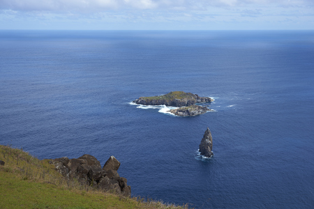 motu: Islands of Motu Nui and Motu Iti lying offshore from the historic village of Orongo on Easter Island