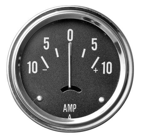 白で隔離される電気アンペア数 (AMP) ゲージ