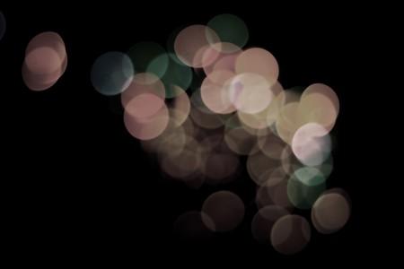 ライトは焦点が合っていない意図的に撃った。レンズとして yse フレアの可能性があります。休日やお祭りの背景の偉大な使用 !