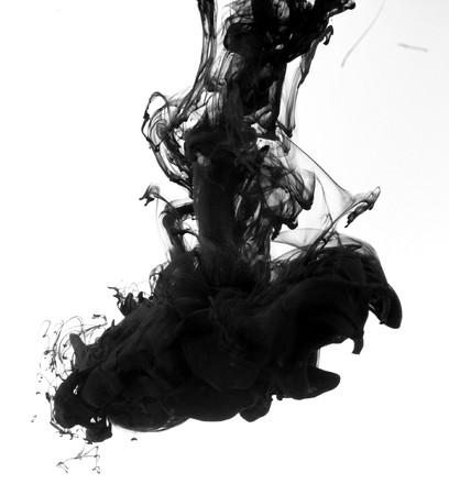 Indian ink in acqua con un suolo posteriore bianco.  Archivio Fotografico - 8102235