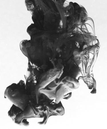 Rook vloeibare inkt in het water Stockfoto - 9895569