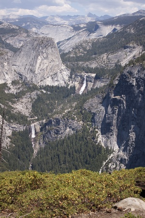 Yosemite National Park in the summer. Stock Photo - 12307989