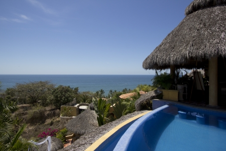 Mexican villa with beach view and a swimming pool. 版權商用圖片